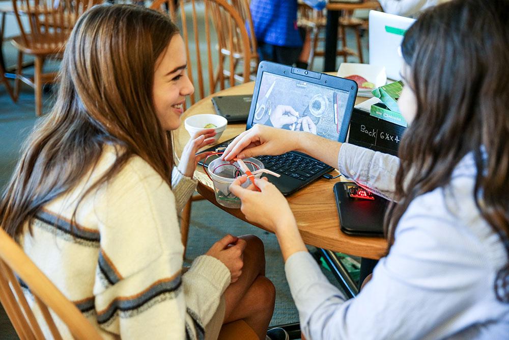 St. Luke's students in designLab